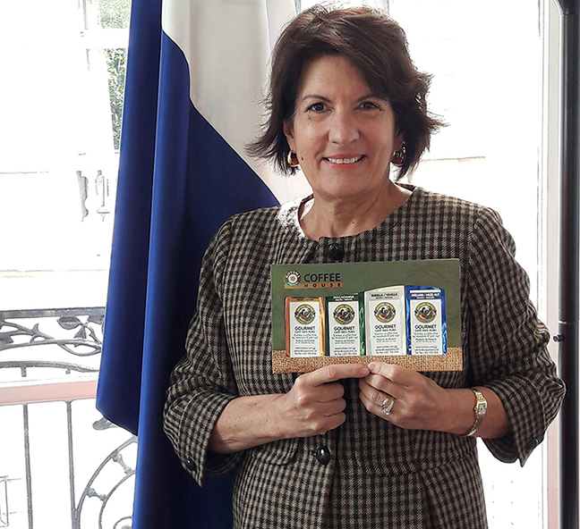 Entretien le 19 /04/2017 avec  <br> Madame PILARE AROSEMENA DE ALEMAN<br>Ambassadeur  du PANAMA